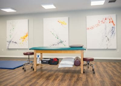 Physical Therapy clinic in Bradenton open gym area with treatment table