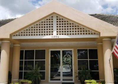 Physical Therapy office Fort Myers Florida outside of building