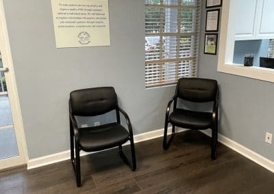waiting room chairs in outpatient physical therapy clinic